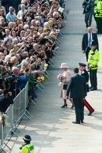 The Queen meets the Crowd